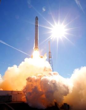 F9+Dragon 2010 test Launch
